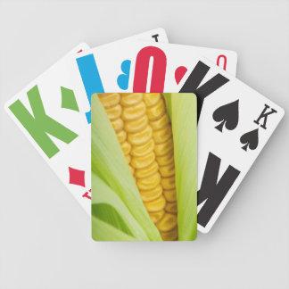 カードを遊んでいる新しいトウモロコシ バイスクルトランプ