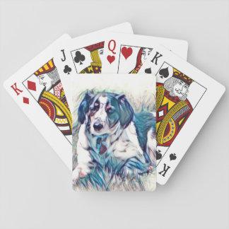 カードを遊んでいる美しい犬 トランプ