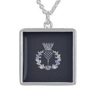 カーボン繊維のプリントの銀のスコットランド人のアザミ スターリングシルバーネックレス