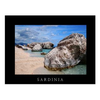 カーラMarioluの石は、サルジニアの黒いカード浜に引き上げます ポストカード