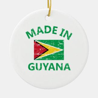 ガイアナで作られる セラミックオーナメント