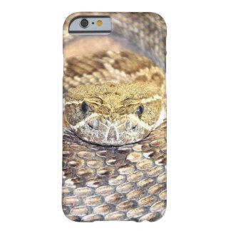 ガラガラヘビの顔 BARELY THERE iPhone 6 ケース