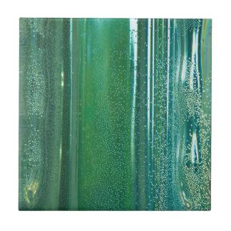 ガラスのターコイズそして青い反射 タイル