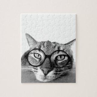 ガラスのパズルを持つ退屈させた猫 ジグソーパズル