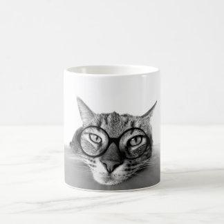 ガラスのマグを持つ退屈させ、眠い猫 コーヒーマグカップ