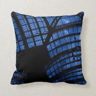 ガラスの天井のデザインNo2の枕 クッション