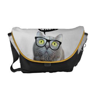 ガラスを持つかわいい猫の子ネコおもしろいなどんな引用文 メッセンジャーバッグ