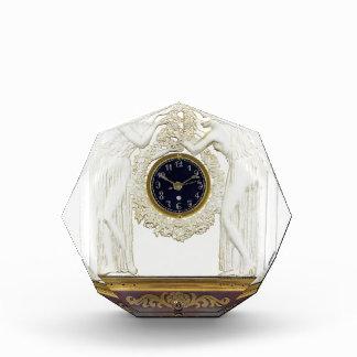 ガラスアールデコの時計 表彰盾