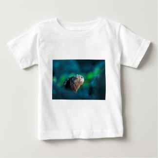ガラパゴスのウミイグアナ ベビーTシャツ