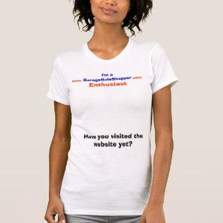 ガレージセールの買物客の熱狂者のTシャツ Tシャツ