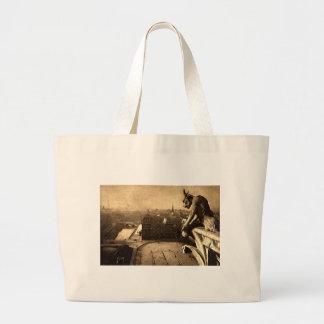 ガーゴイルNotre Dameのパリフランスの1912年のヴィンテージ ラージトートバッグ