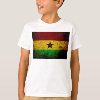 ガーナの黒くグランジな旗 Tシャツ