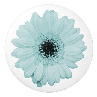 ガーベラの花が付いているガーリーで青い陶磁器のノブ セラミックノブ