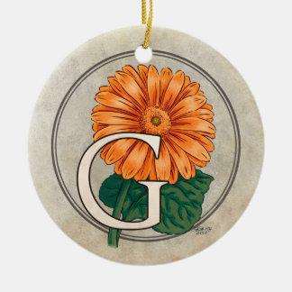 ガーベラの花のモノグラムのためのG セラミックオーナメント