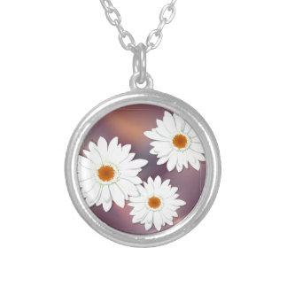 ガーベラの花 シルバープレートネックレス