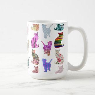ガーリーでお洒落な猫のアズテック派の花柄のストライプなパターン コーヒーマグカップ