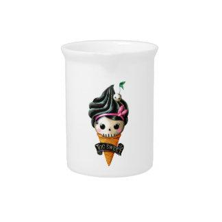 ガーリーなスカルのアイスクリームコーン ピッチャー