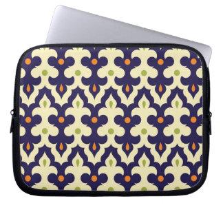 ガーリーなダマスク織のペイズリーのアラベスクのモロッコパターン ラップトップスリーブ