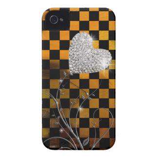 ガーリーなハートおよびチェッカーパターン Case-Mate iPhone 4 ケース
