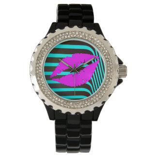 ガーリーな唇のキスのファッションの魅力のトレンディー 腕時計