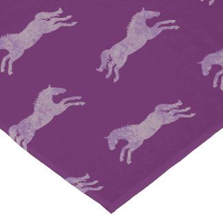 ガーリーな紫色のクラシックな乗馬の馬 ロングテーブルランナー