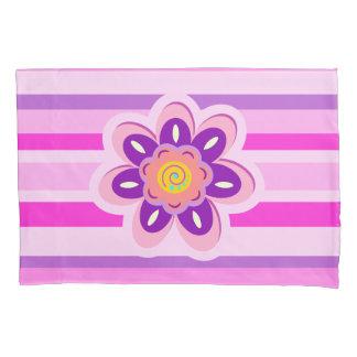 ガーリーな花およびピンクのストライブ柄 枕カバー