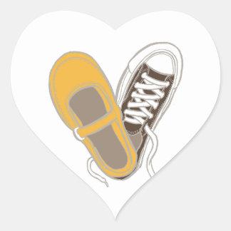 ガーリーな靴及びスニーカーのハートの結婚 ハートシール