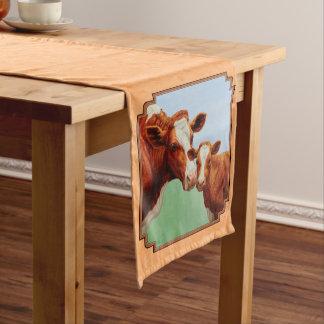 ガーンジーの子牛および母牛モモ ミディアムテーブルランナー