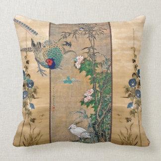 キジの鳥の朝顔によっては装飾用クッションが開花します クッション
