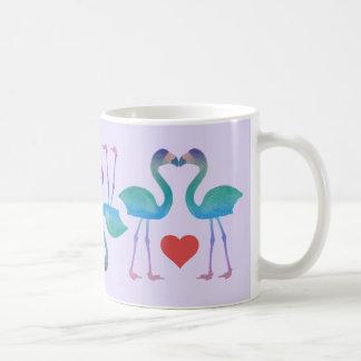 キスをするなフラミンゴのレトロのコーヒー・マグ(カスタムな色) コーヒーマグカップ
