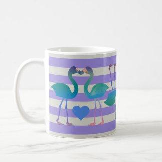 キスをするなフラミンゴのレトロのコーヒー・マグ(紫色) コーヒーマグカップ