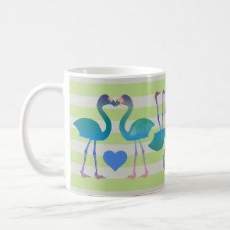 キスをするなフラミンゴのレトロのコーヒー・マグ(薄緑の) コーヒーマグカップ