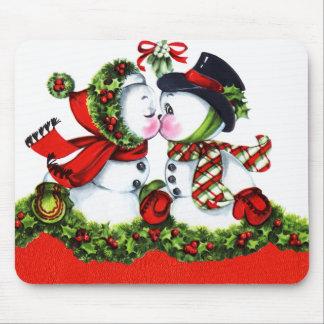 キスをするな雪だるまのカップル マウスパッド