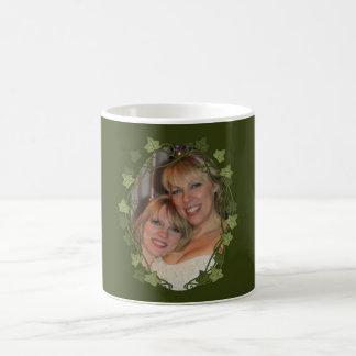 キヅタの円の写真フレーム コーヒーマグカップ