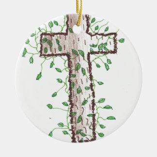 キヅタの葉が付いている美しい十字 セラミックオーナメント
