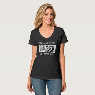 キャッツ・アイの救助のV首 Tシャツ