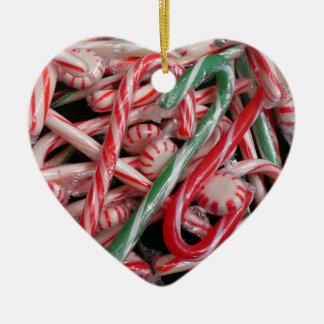 キャンディ・ケーンおよびペパーミントのクリスマスの休日 セラミックオーナメント