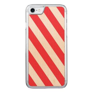 キャンディ・ケーンの赤と白の対角線は縞で飾ります CARVED iPhone 7 ケース