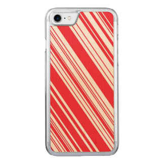 キャンディ・ケーンの赤と白の斜めの数々の縞で飾ります CARVED iPhone 7 ケース