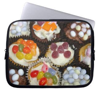 キャンデーのトッピングのラップトップスリーブが付いているカップケーキ ラップトップスリーブ