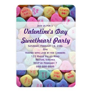 キャンデーのハートのバレンタインデーのパーティの招待状 カード