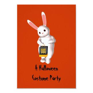 """キャンデーのバッグが付いている""""ハロウィンの衣裳のパーティー""""の-バニー カード"""