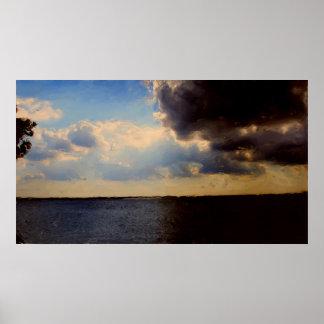 キャンバスの美しい雲及び湖の油絵 ポスター