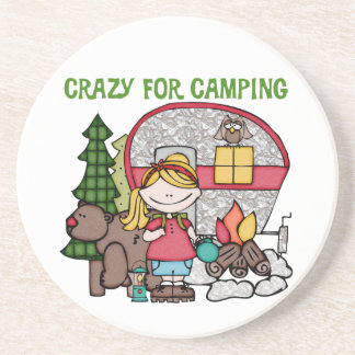 キャンプのために熱狂するなブロンドの女の子 コースター