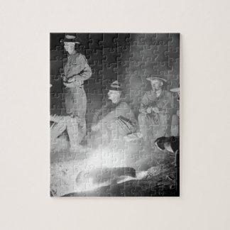 キャンプファイヤーのまわり、Co_Warのイメージの人 ジグソーパズル