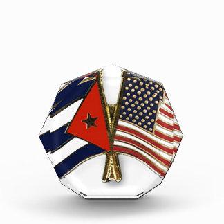 キューバの旗および米国旗 表彰盾