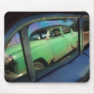 キューバ車の反射 マウスパッド
