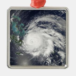 キューバ、イスパニョーラ島上のハリケーンIke メタルオーナメント