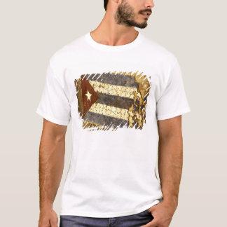 キューバ、ハバナ。 キューバの旗のモザイクパズル Tシャツ