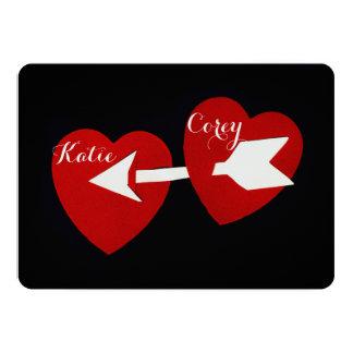 キューピッドの弓赤いハートおよび白い矢愛 12.7 X 17.8 インビテーションカード
